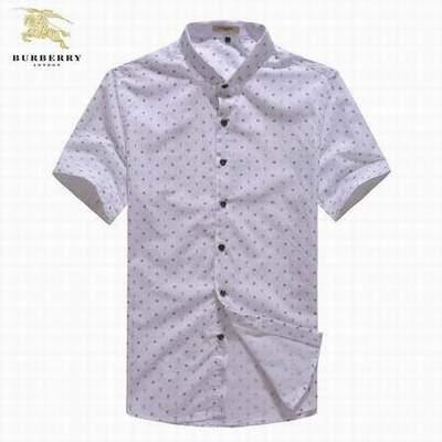 Fille en chemise pour homme